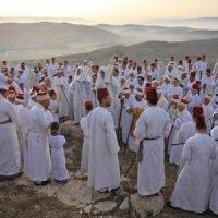 ori orhof passover 2018 pilgrims on gerizim