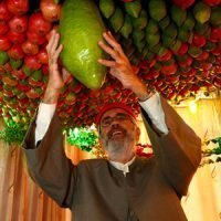 ori orhof sukkot 2018 holding fruit
